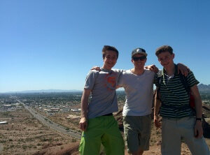 Gipfelfoto ( von links: Robin, Daniel, Jakob)