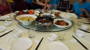 Mittagessen typisch chinesisch